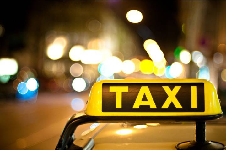 IELTS Letter 8 - Complaint About A Taxi Service